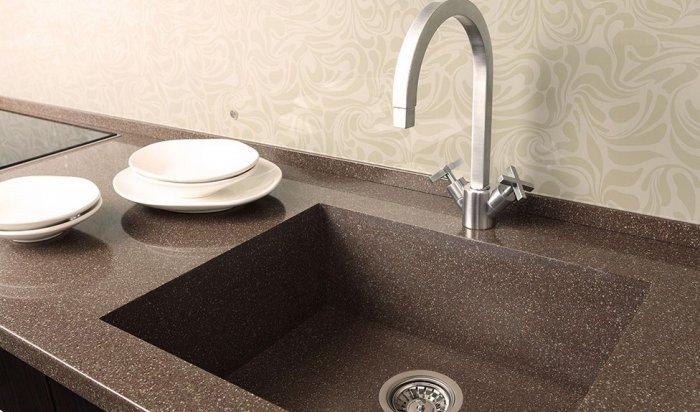 Яка мийка краща - нержавіюча сталь чи штучний камінь?